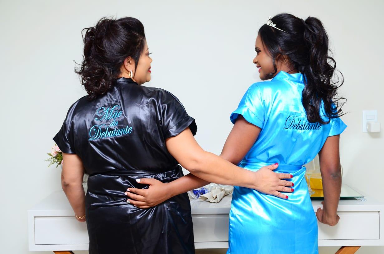 Kit c/2 Robe de Cetim Roupão Feminino Bordado Personalizado Debutante  e Mãe da Debutante